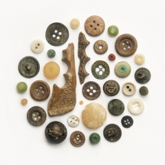 Buttons & beads, 17th-21st century